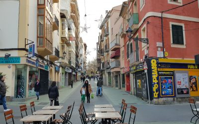 Zona Centro Local Comercial+Patio! Precio 205.000 Euros!