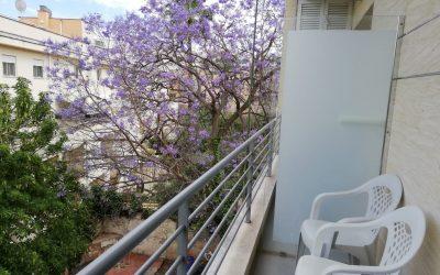 El Terreno Alquiler de Studio+balcón! Precio 850 Eur.-