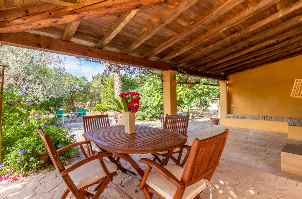 Inca Chalet Rústico 3 dormitorios+terreno 10.600m2.Precio 420.000€