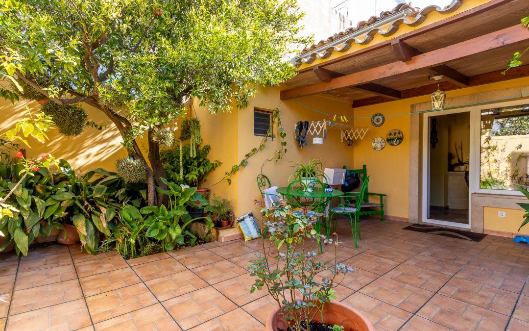 Llucmajor Casa Adosada de 4 dormitorios+terraza y Patio 20m2. Precio 285.000€