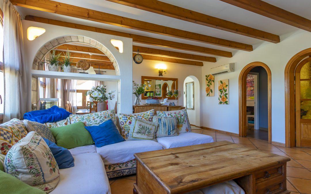 Costa de la Calma Chalet 3 dormitorios+terrazas+ Piscina y Garaje. Precio 480.000€